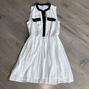 Forever 21 Classic Black/White Dress Small